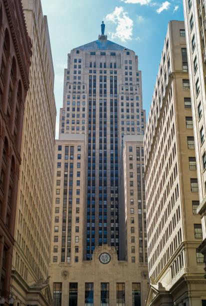 Soja inicia semana com forte queda em Chicago com 2ª feira de aversão ao risco nos mercados